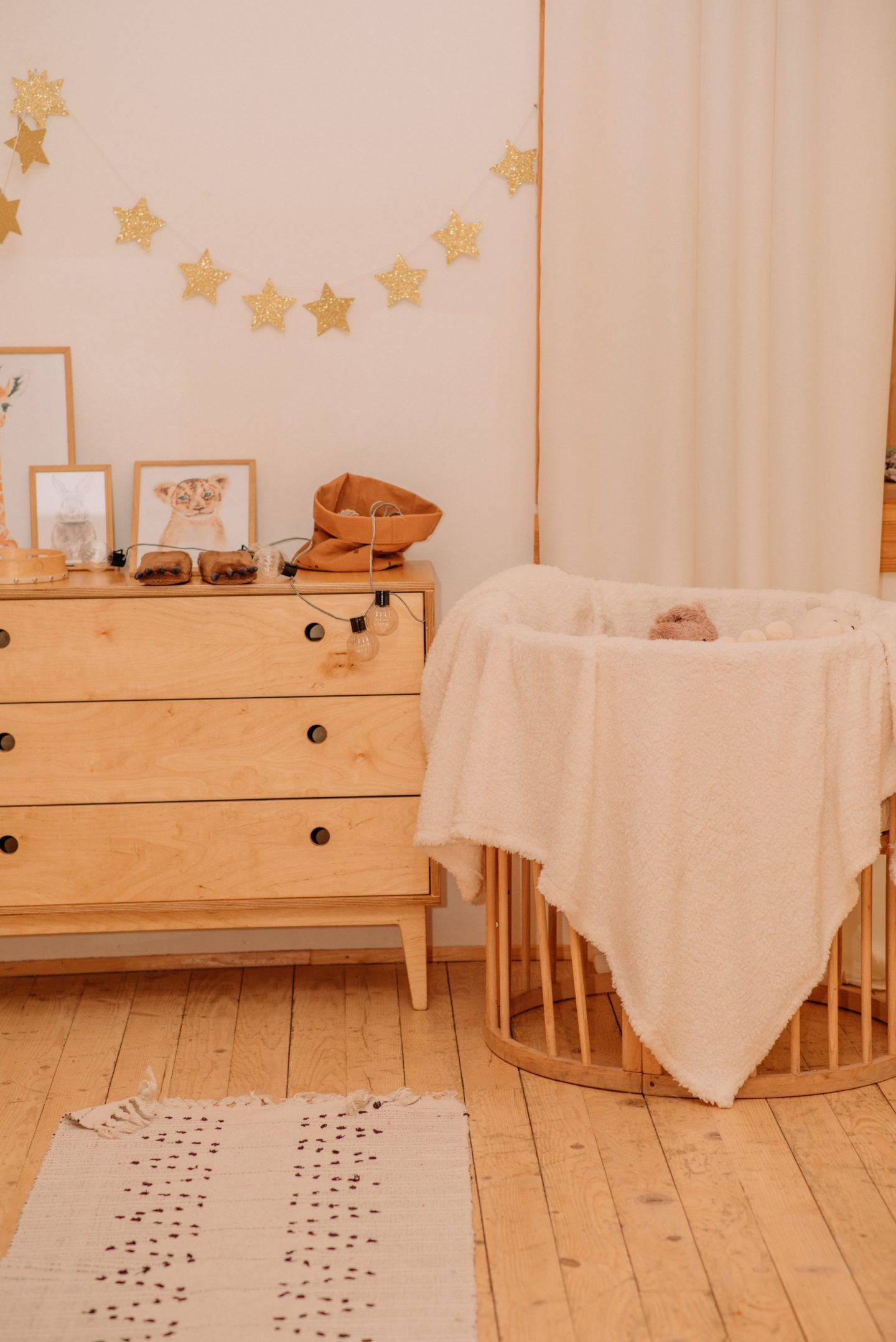Decorating a nursery on a budget 1