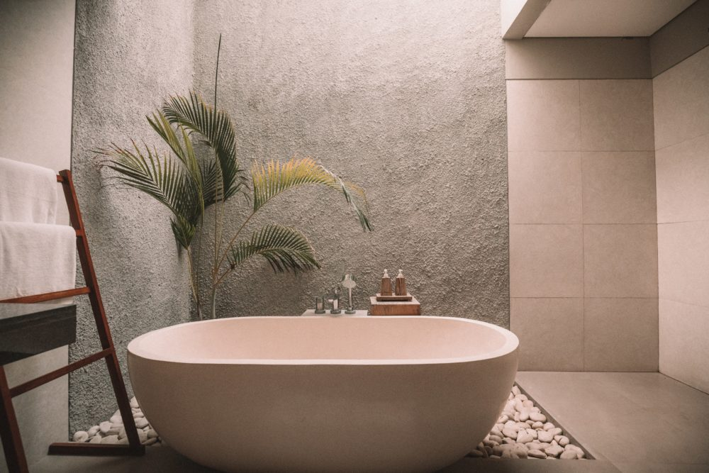 What to look for when choosing bathroom suites 1