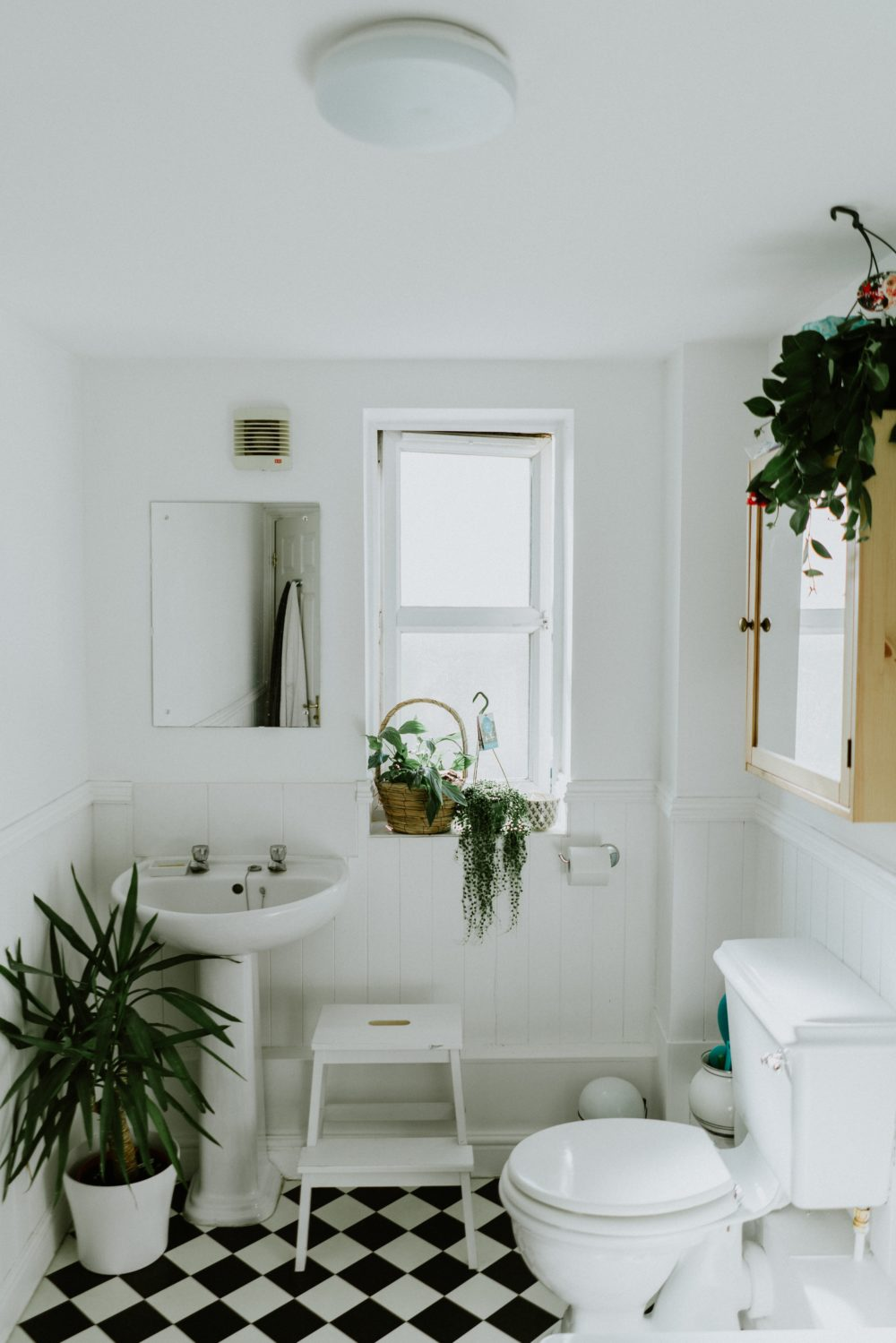 What to look for when choosing bathroom suites 2