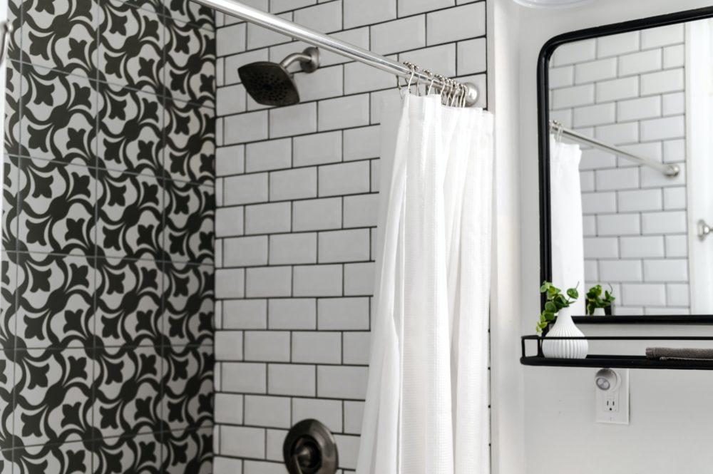 Bold Black Interior Style Tips 6