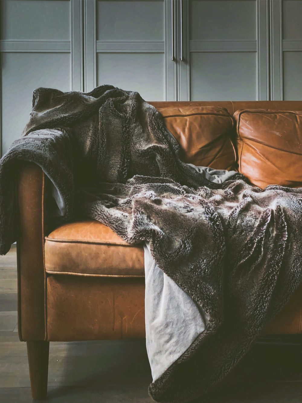 How to add warmth to your living room 1