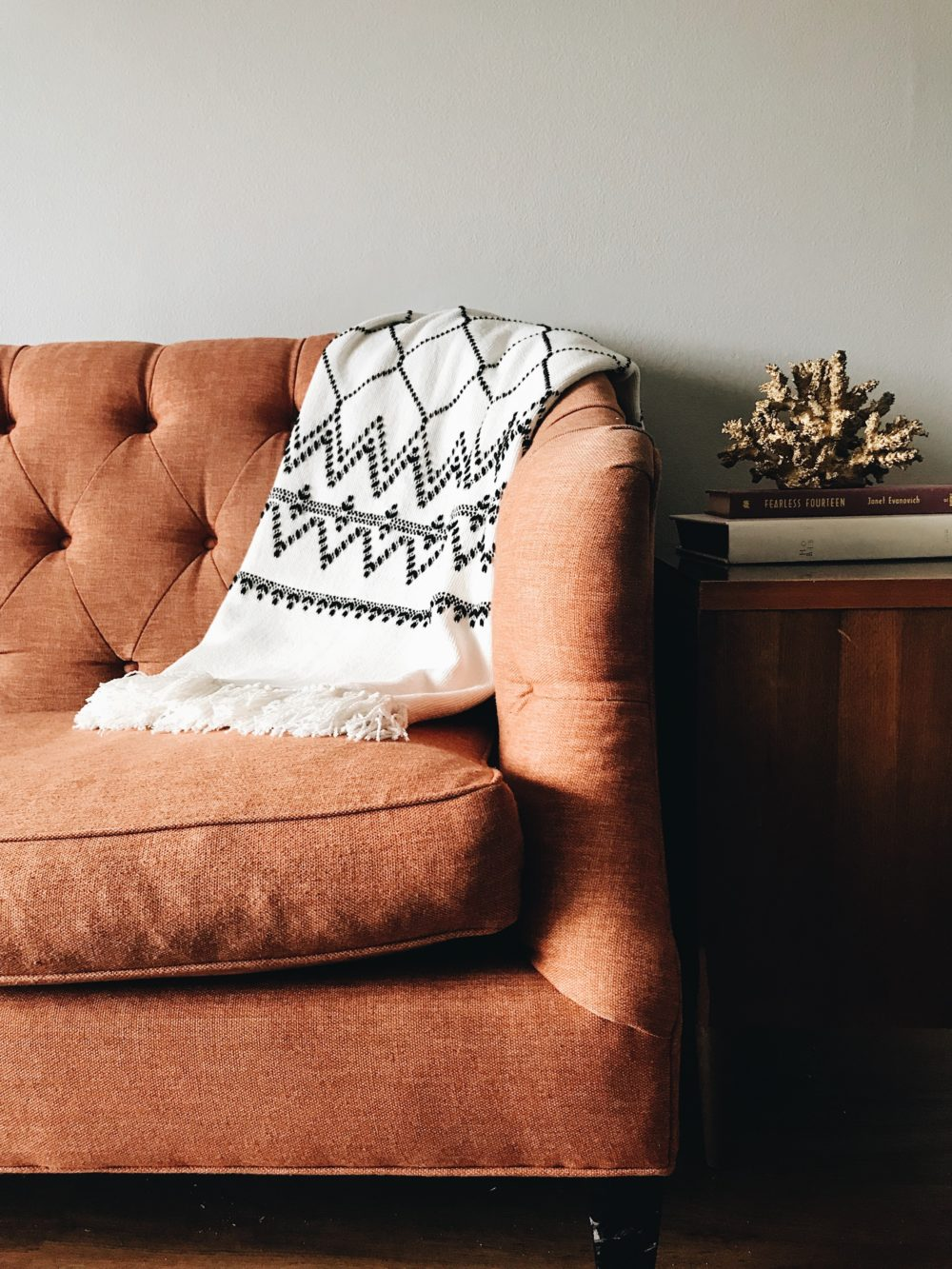 How to add warmth to your living room 4