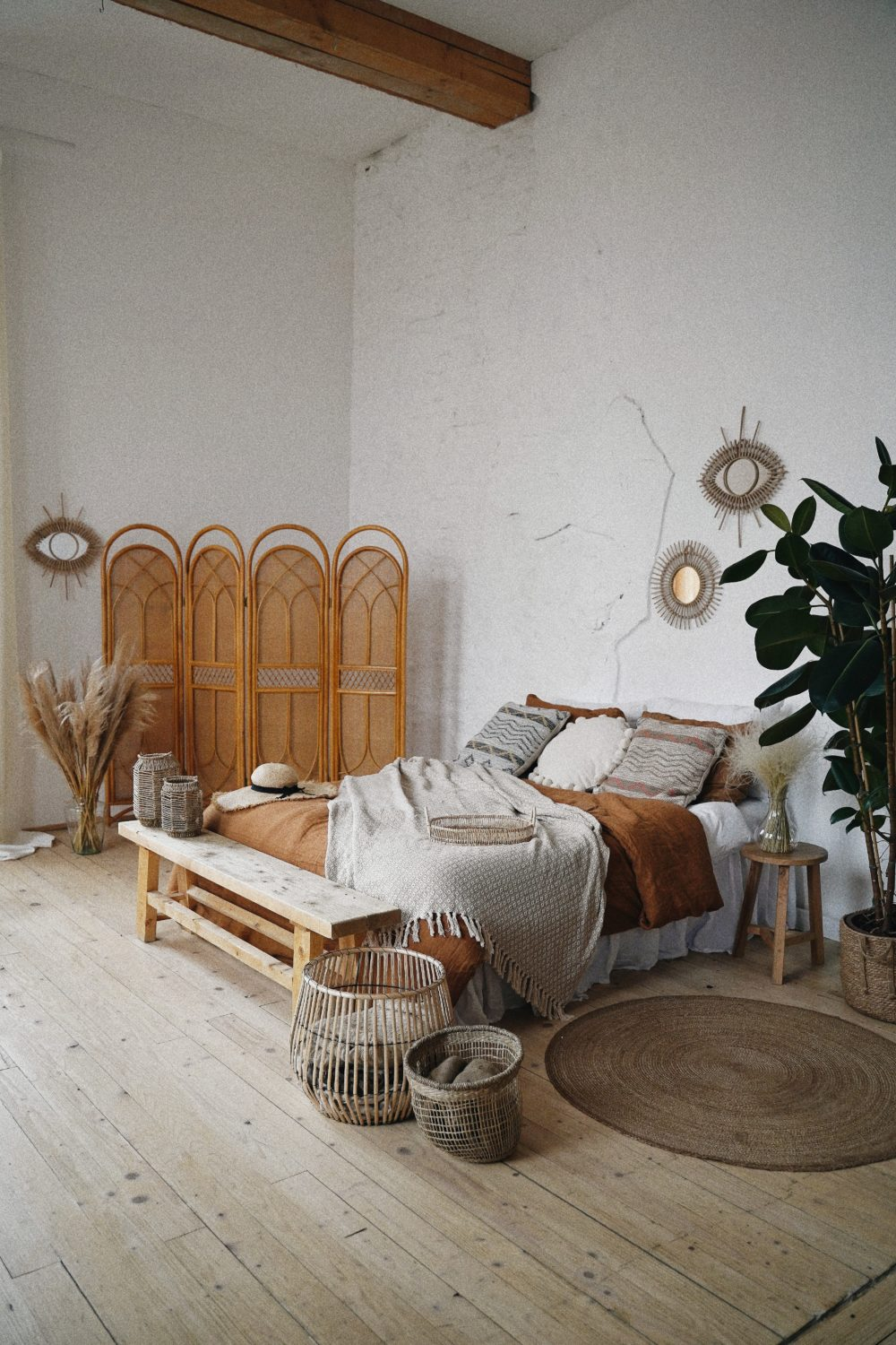 Affordable ways to add glamour to your bedroom 4